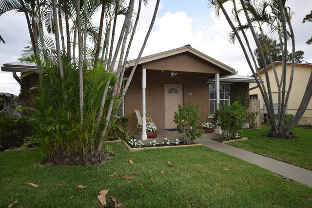 453 Martin Avenue, Greenacres, FL 33463 (#RX-10714161) :: Posh Properties