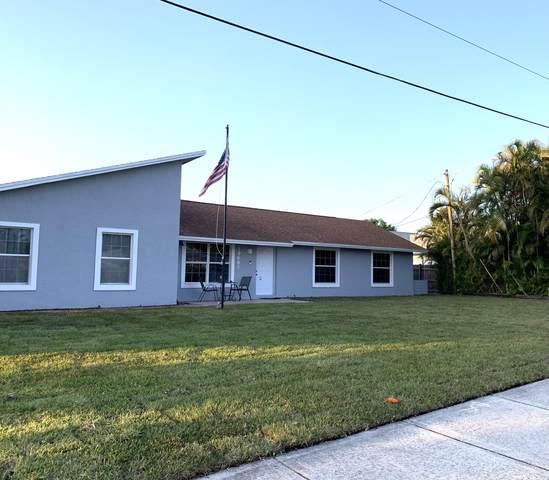 19681 SE County Line Road, Tequesta, FL 33469 (#RX-10717668) :: Michael Kaufman Real Estate