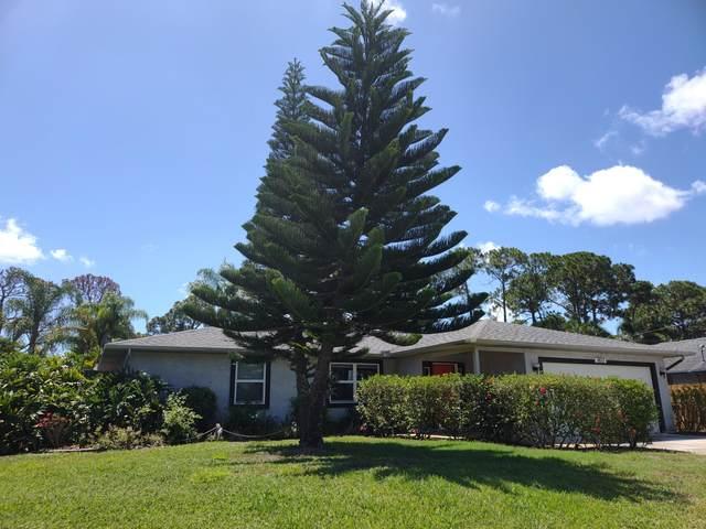 1611 SE Fairfield Street, Port Saint Lucie, FL 34983 (#RX-10718552) :: Michael Kaufman Real Estate