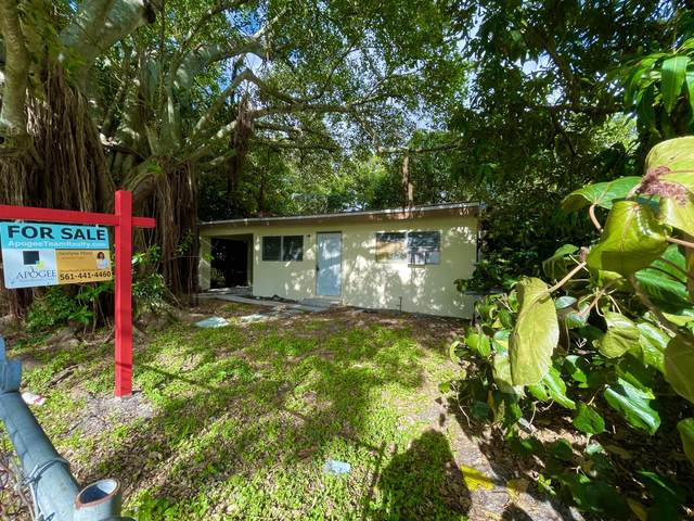 1137 NW 30th Avenue, Fort Lauderdale, FL 33311 (MLS #RX-10721043) :: The Paiz Group