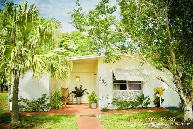 285 SE Abeto Lane, Port Saint Lucie, FL 34983 (MLS #RX-10731318) :: Castelli Real Estate Services
