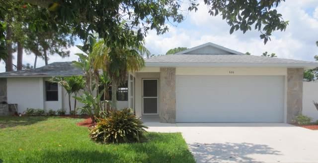 686 SE Thornhill Drive, Port Saint Lucie, FL 34983 (#RX-10733419) :: The Rizzuto Woodman Team