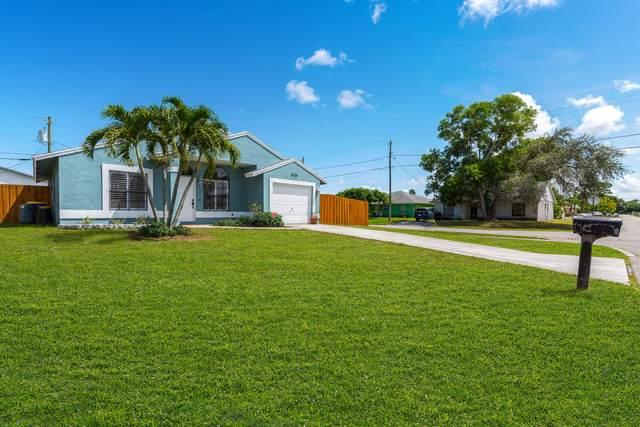 5735 SE Mitzi Lane, Stuart, FL 34997 (MLS #RX-10745533) :: Berkshire Hathaway HomeServices EWM Realty
