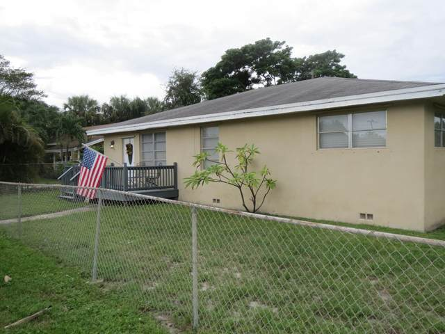 855 E Dolphin Ridge Road, West Palm Beach, FL 33406 (#RX-10747146) :: Michael Kaufman Real Estate
