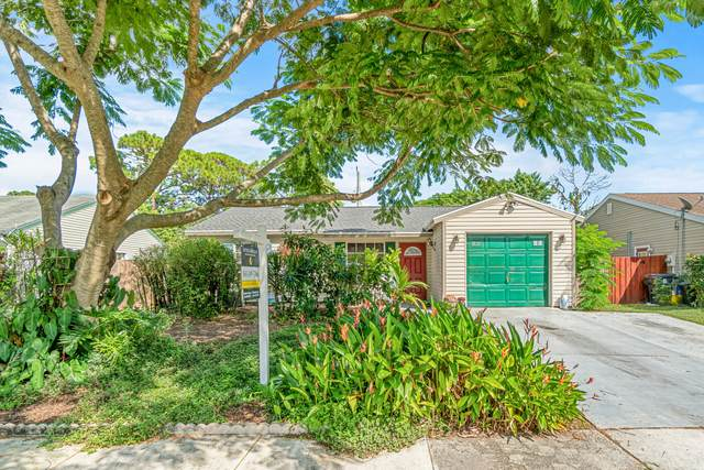 5038 Canal Circle E, Lake Worth, FL 33467 (#RX-10747708) :: Baron Real Estate