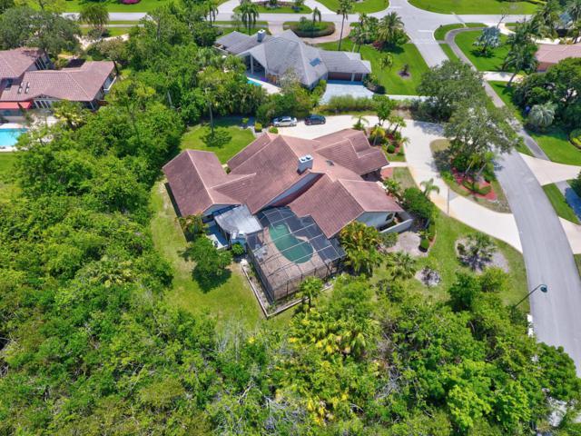 653 SW Thornhill Lane, Palm City, FL 34990 (#RX-10429063) :: Ryan Jennings Group