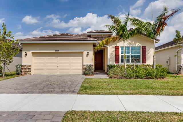 4555 NW King Court, Jensen Beach, FL 34957 (#RX-10601976) :: Ryan Jennings Group