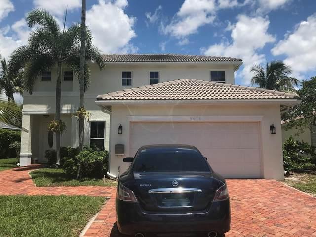 6414 Suntree Court, Greenacres, FL 33413 (MLS #RX-10602294) :: Castelli Real Estate Services