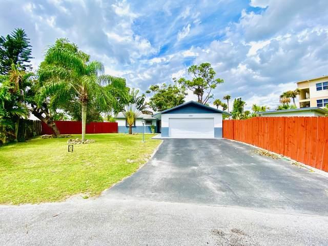 1241 Pineway Drive, Haverhill, FL 33417 (#RX-10603246) :: Ryan Jennings Group