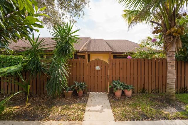391 Springdale Circle, Palm Springs, FL 33461 (#RX-10603624) :: Ryan Jennings Group