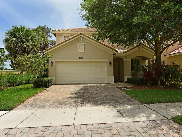 5729 SE Crooked Oak Avenue, Hobe Sound, FL 33455 (MLS #RX-10626392) :: Miami Villa Group