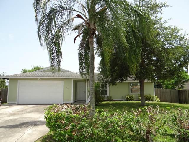 638 SW Grove Avenue, Port Saint Lucie, FL 34983 (#RX-10632759) :: Ryan Jennings Group