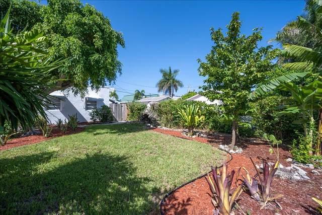 335 Malverne Road, West Palm Beach, FL 33405 (#RX-10652390) :: The Rizzuto Woodman Team