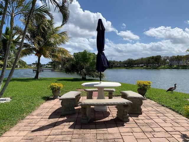 384 Chatham S, West Palm Beach, FL 33417 (#RX-10698147) :: The Rizzuto Woodman Team