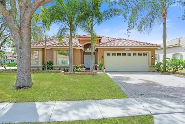 5747 La Gorce Circle, Lake Worth, FL 33463 (#RX-10711386) :: Michael Kaufman Real Estate