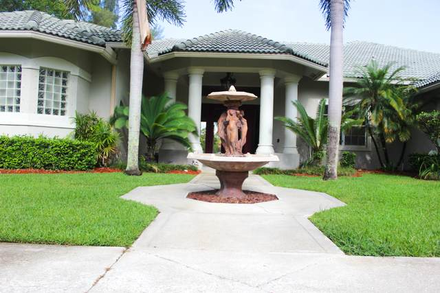 185 Westwood Circle E, West Palm Beach, FL 33411 (#RX-10722164) :: The Power of 2   Century 21 Tenace Realty
