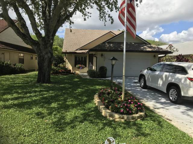 13042 SE Crooked Stick Lane, Hobe Sound, FL 33455 (#RX-10612178) :: The Rizzuto Woodman Team