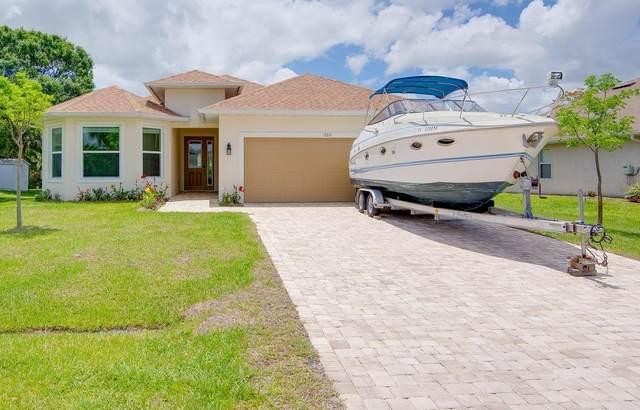 930 SW Versailles Avenue, Port Saint Lucie, FL 34953 (#RX-10613230) :: Ryan Jennings Group