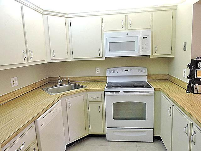 338 Pine Ridge Circle A-2, Greenacres, FL 33463 (#RX-10641307) :: Posh Properties