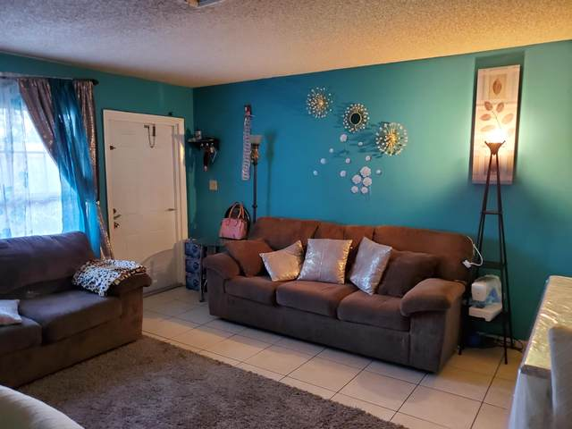 709 Skylark Drive, Fort Pierce, FL 34982 (MLS #RX-10644236) :: Berkshire Hathaway HomeServices EWM Realty