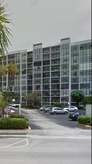 800 Parkview Drive #220, Hallandale Beach, FL 33009 (MLS #RX-10234574) :: Castelli Real Estate Services