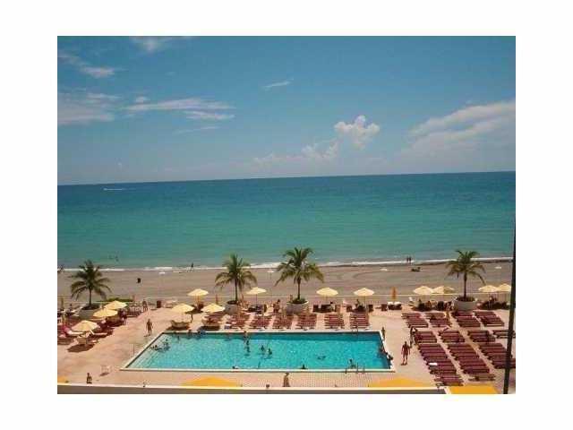 1880 S Ocean Drive #407, Hallandale Beach, FL 33009 (MLS #RX-10320128) :: Castelli Real Estate Services