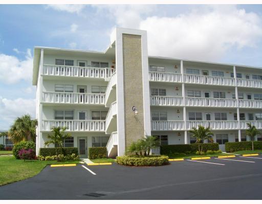 420 Wellington G #420, West Palm Beach, FL 33417 (#RX-10346355) :: Ryan Jennings Group