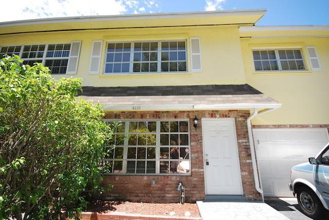 4239 NW 9th Avenue #5, Deerfield Beach, FL 33064 (#RX-10351876) :: Keller Williams