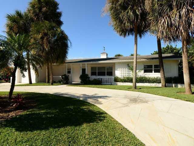 8375 SE Palm Street, Hobe Sound, FL 33455 (#RX-10352988) :: Amanda Howard Real Estate