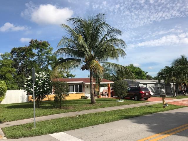 1793 SW 43rd Avenue, Fort Lauderdale, FL 33317 (MLS #RX-10353612) :: Castelli Real Estate Services