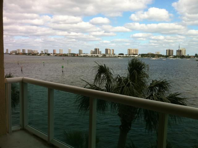 2640 Lake Shore Drive #309, Riviera Beach, FL 33404 (#RX-10359223) :: Keller Williams