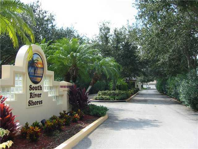 2606 SW River Shore Drive, Port Saint Lucie, FL 34953 (#RX-10359637) :: Amanda Howard Real Estate