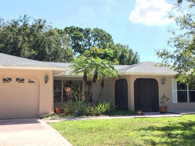 1065 SE Proctor Lane, Port Saint Lucie, FL 34983 (#RX-10360179) :: The Carl Rizzuto Sales Team