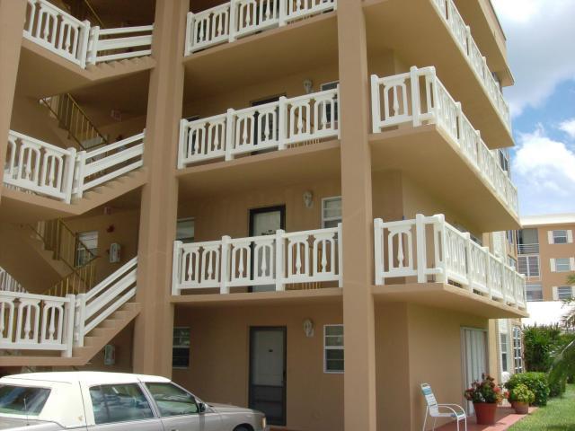 308 Golfview Road #301, North Palm Beach, FL 33408 (#RX-10360233) :: The Carl Rizzuto Sales Team