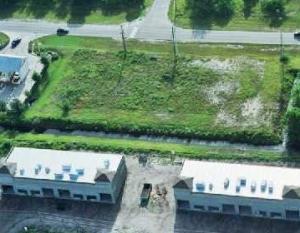 572 SW Bayshore Boulevard, Port Saint Lucie, FL 34983 (MLS #RX-10362725) :: Castelli Real Estate Services