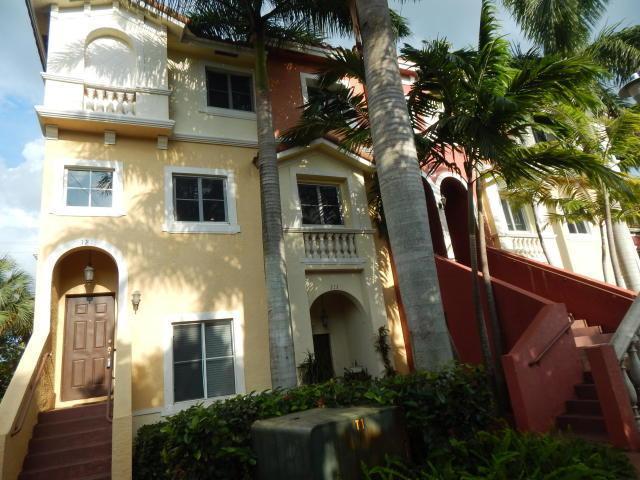 121 Bayfront Drive, Boynton Beach, FL 33435 (#RX-10373963) :: Ryan Jennings Group