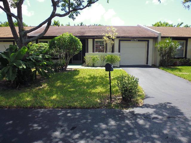 15832 Laurel Oak Circle, Delray Beach, FL 33484 (#RX-10373995) :: Ryan Jennings Group