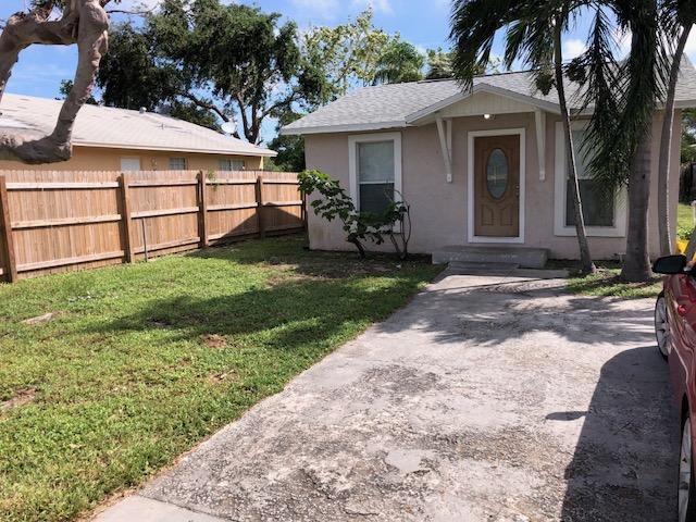 247 NW 10th Avenue, Delray Beach, FL 33444 (#RX-10374184) :: Keller Williams