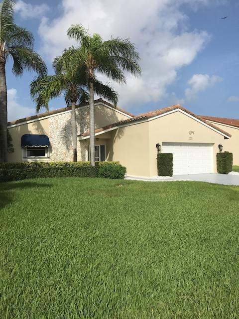 7025 NW 2nd Terrace, Boca Raton, FL 33487 (MLS #RX-10375662) :: Castelli Real Estate Services