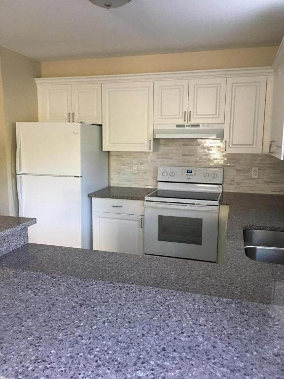 418 N Cypress Drive A, Tequesta, FL 33469 (#RX-10382889) :: Amanda Howard Real Estate™