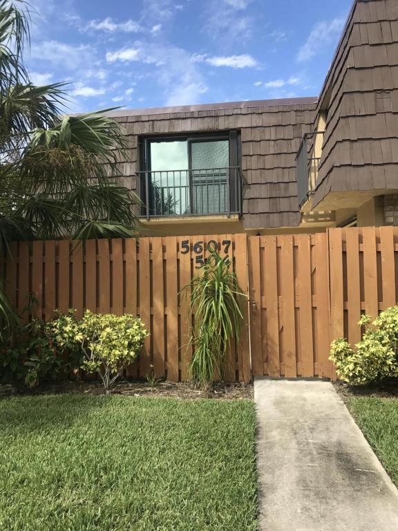 5607 SE Windsong Lane, Stuart, FL 34997 (#RX-10383737) :: The Haigh Group | Keller Williams Realty