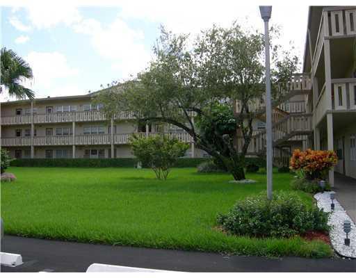 567 Fanshaw N, Boca Raton, FL 33434 (#RX-10390453) :: Ryan Jennings Group