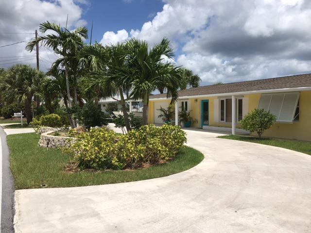 4373 NE Skyline Drive, Jensen Beach, FL 34957 (#RX-10397568) :: United Realty Consultants, Inc