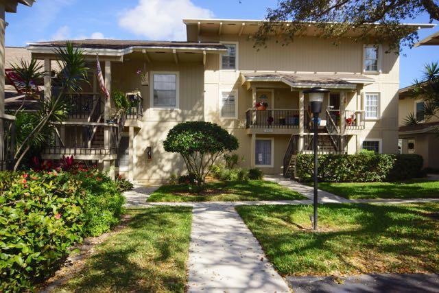18420 SE Wood Haven Lane E, Tequesta, FL 33469 (#RX-10405025) :: The Carl Rizzuto Sales Team