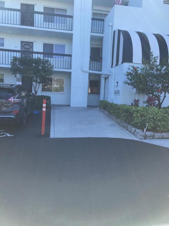 6698 10th Avenue N #310, Lake Worth, FL 33467 (#RX-10407098) :: The Carl Rizzuto Sales Team