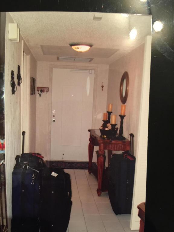 575 Oaks Lane #402, Pompano Beach, FL 33069 (#RX-10412159) :: Ryan Jennings Group