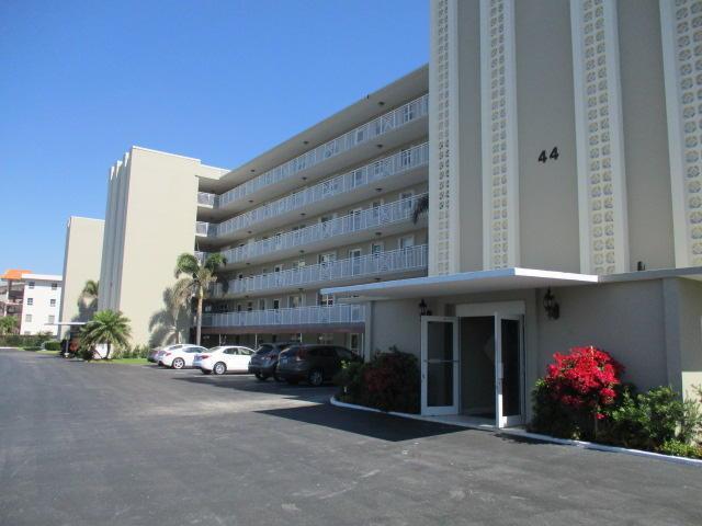 36 Yacht Club Drive #407, North Palm Beach, FL 33408 (#RX-10414527) :: The Carl Rizzuto Sales Team