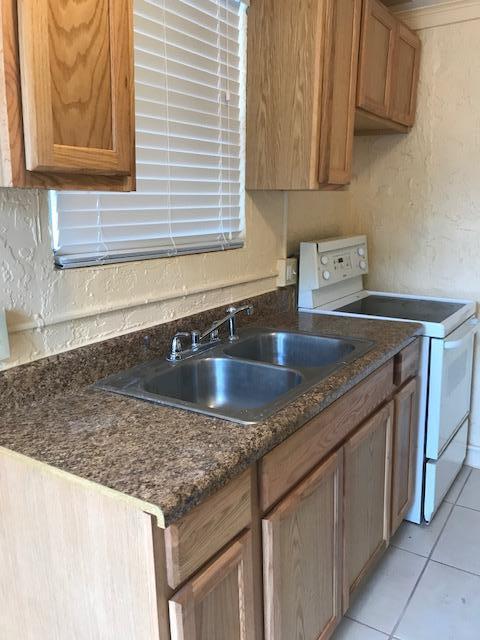 617 Dundas Court, Fort Pierce, FL 34950 (#RX-10415081) :: The Carl Rizzuto Sales Team