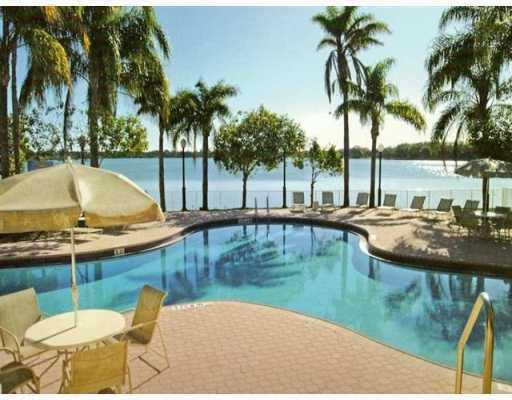 2811 N Oakland Forest Drive #104, Oakland Park, FL 33309 (#RX-10416421) :: United Realty Consultants, Inc