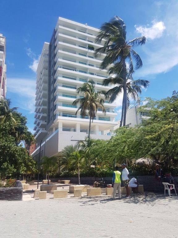 Calle 87 #1-42 Edificio Oceania #404, Out Of Country, FL 00000 (#RX-10416456) :: Ryan Jennings Group